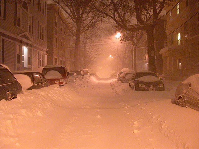Snowy_night_street
